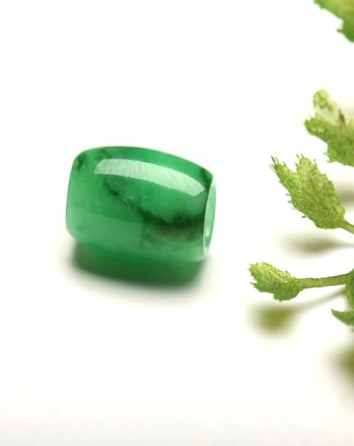 如何挑选路路通吊坠_帝王绿宝石玉石工艺品