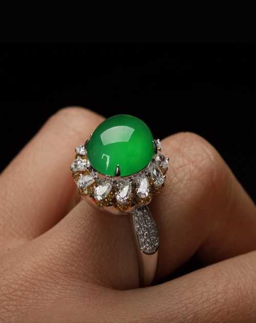 戒指镶嵌图片_昆明七彩云南(国际)翡翠珠宝有限公司