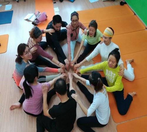 上海瑜伽教练培训哪家好_无忧百贸网