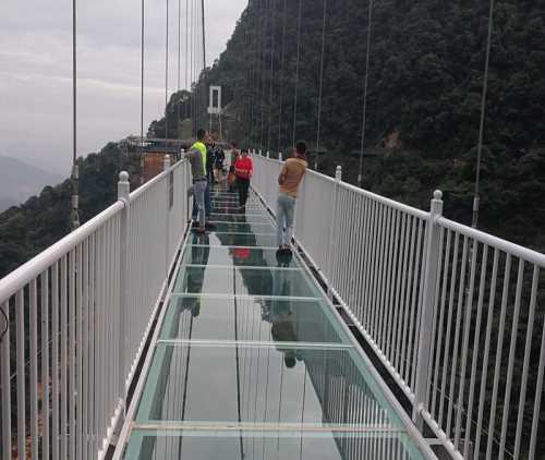 景区玻璃吊桥项目_360集讯