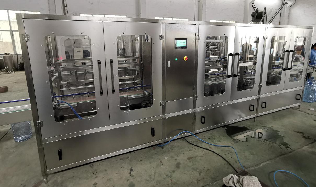 山泉水灌装机生产商_果汁饮料灌装机械制造商