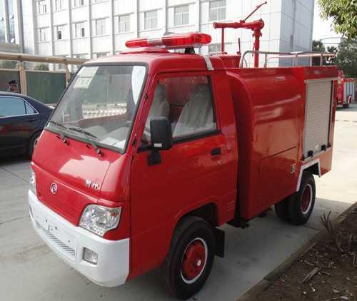 洒水消防车