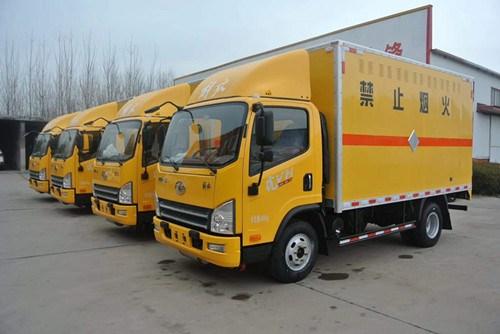 易燃气体厢式运输车生产商_易燃液体厢式车相关