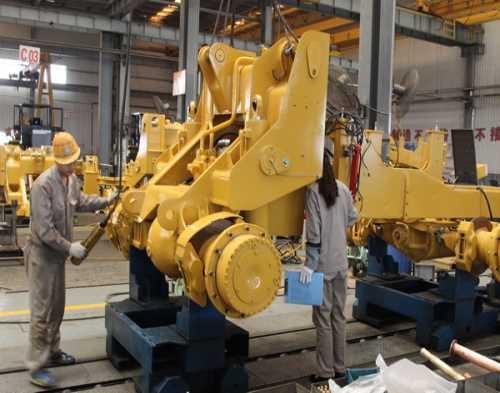 周口装载机培训价格_小型装载机相关-焦作市厦工工程机械职业培训学校