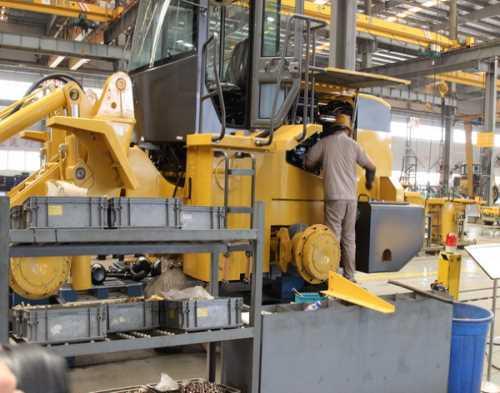 新乡装载机培训_06型装载机相关-焦作市厦工工程机械职业培训学校