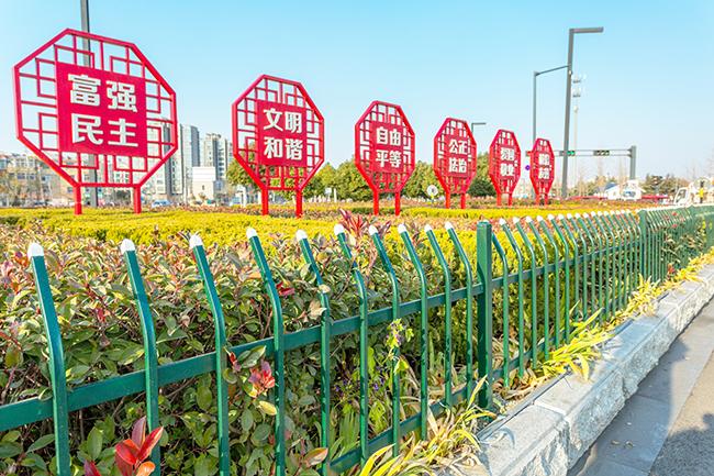 鹤壁pvc草坪护栏_护栏相关