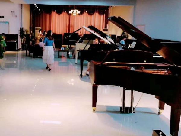 駐馬店弗爾里希鋼琴f122價格_兒童鋼琴相關-河南歐樂樂器有限公司