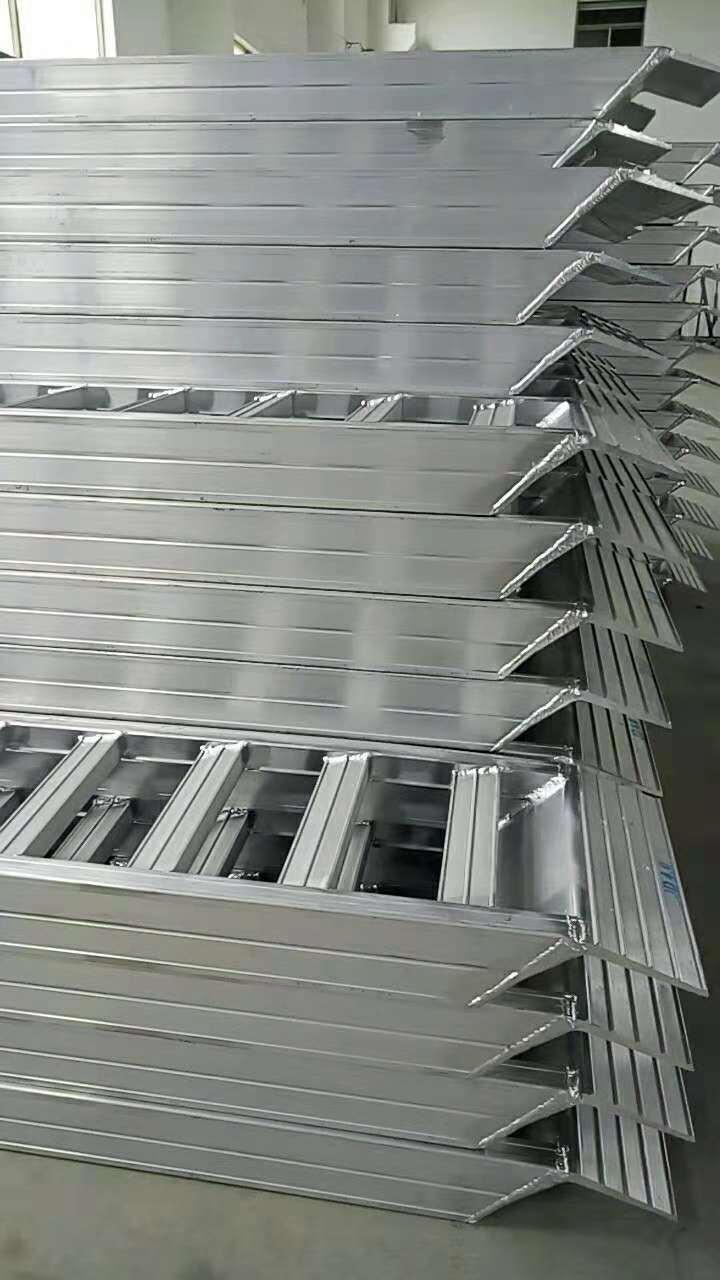 原装铝梯价格_专业农机配件销售-盐城市嘉丰机械制造限公司