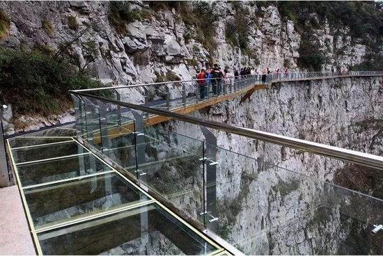 湖北玻璃吊桥施工企业_专业工程施工公司-河南亚森旅游开发有限公司