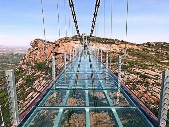 黑龙江网红玻璃吊桥施工厂家_专业工程施工报价-河南亚森旅游开发有限公司