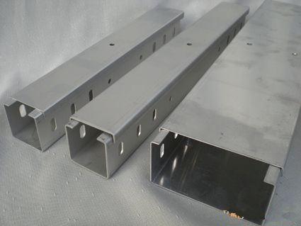 益陽托盤式橋架_托盤橋架怎么賣相關-長沙亞特電子科技有限公司