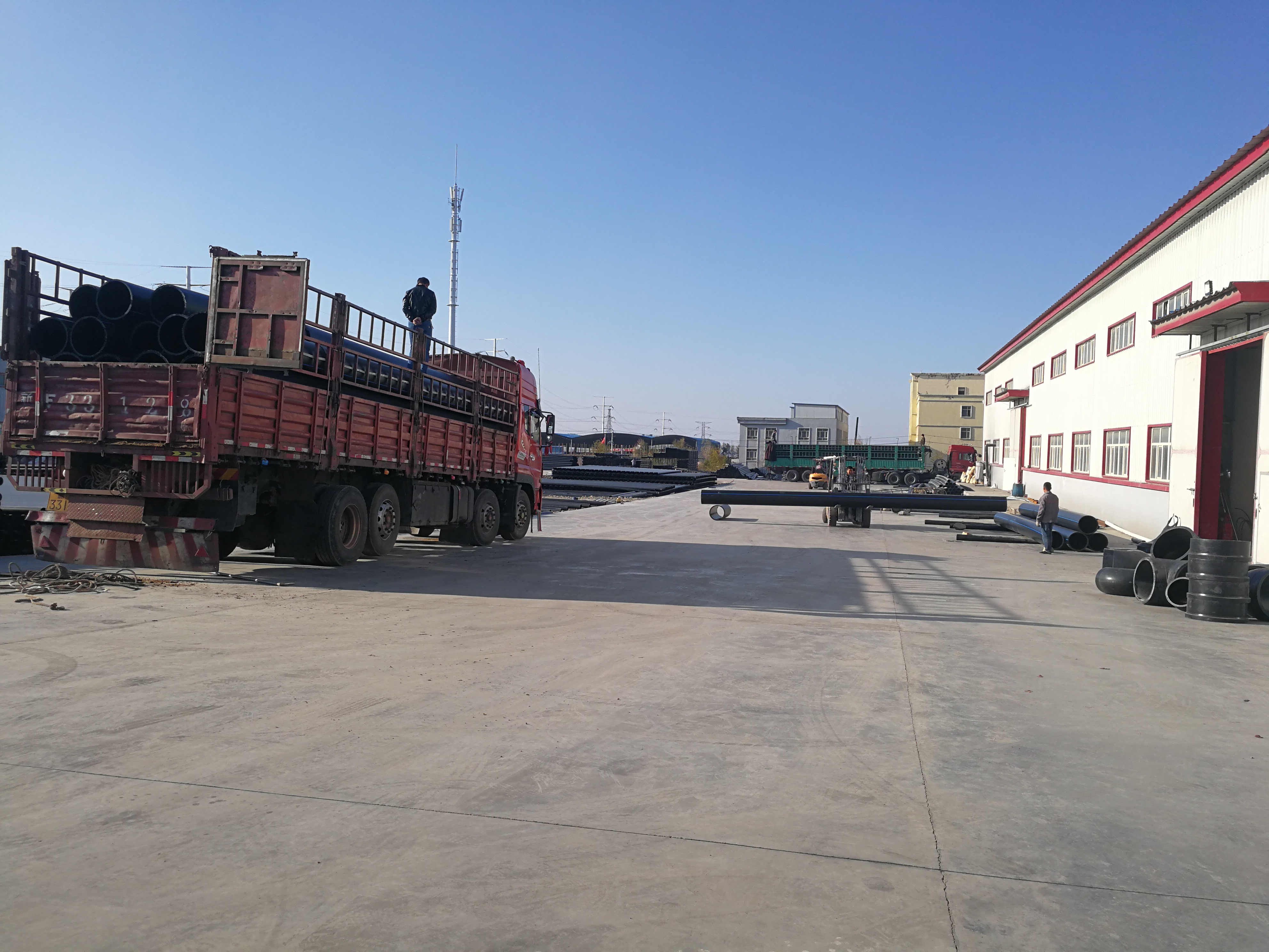 五家渠进口pe给水管价格_pe给水管160相关-新疆雅克喜马塑业有限责任公司公司