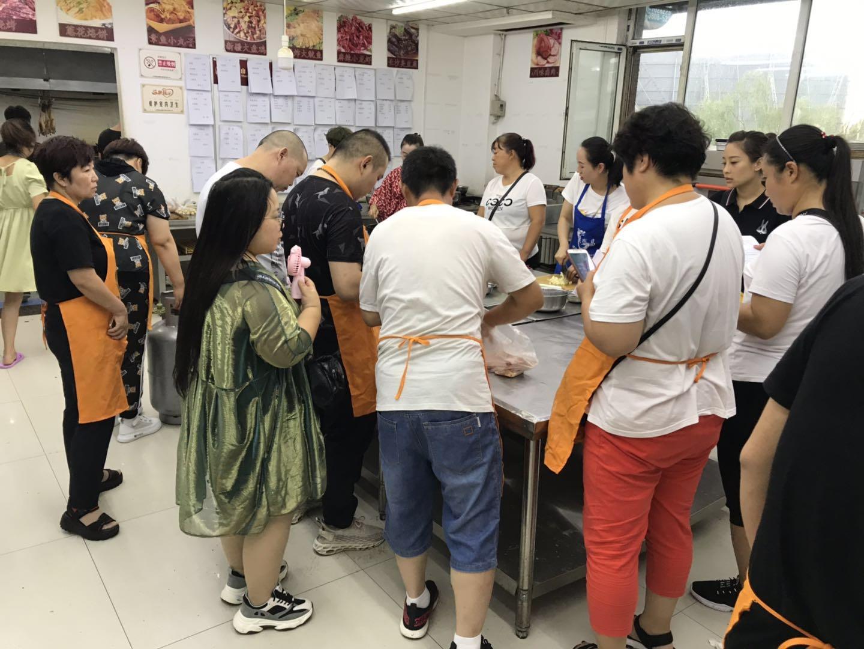 忻州短期厨师培训学校在哪_短期职业培训学校-太原联盛昌餐饮管理有限公司