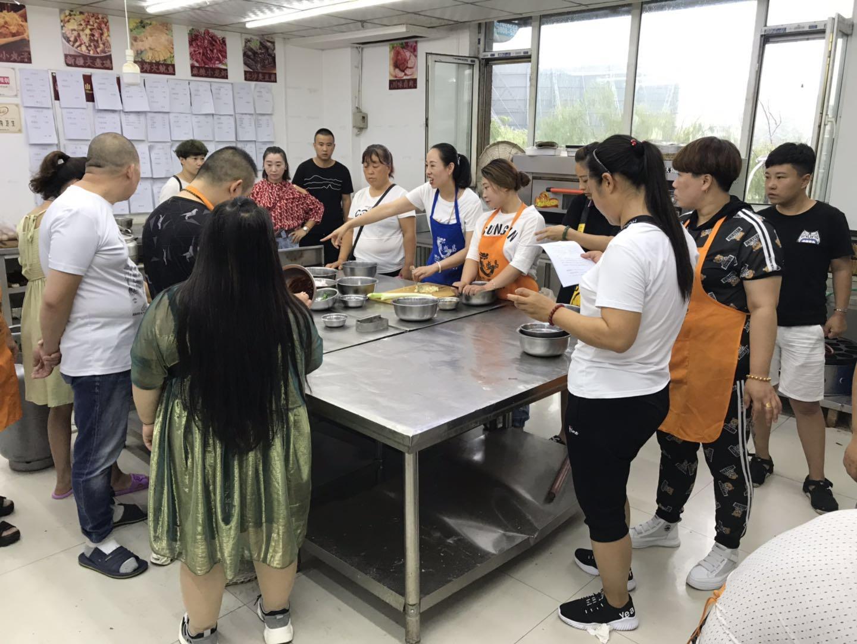 包子培训技术_小吃体验式培训价格-太原联盛昌餐饮管理有限公司
