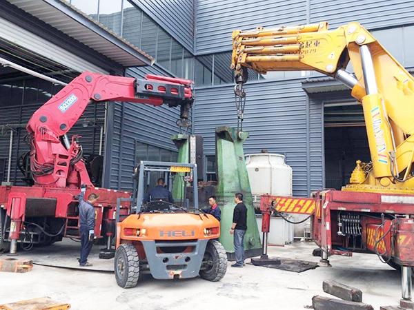 大型吊装设备搬运_正规建筑项目合作厂家-长沙市同茂装卸搬运有限公司
