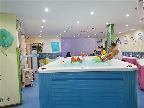 亲子游泳馆加盟多少钱_ 加盟亲子游泳馆相关-湖南巴布母婴信息科技有限公司