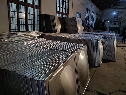 不锈钢水箱哪里有卖_圆形不锈钢水箱相关-长沙全泽和供水设备有限公司