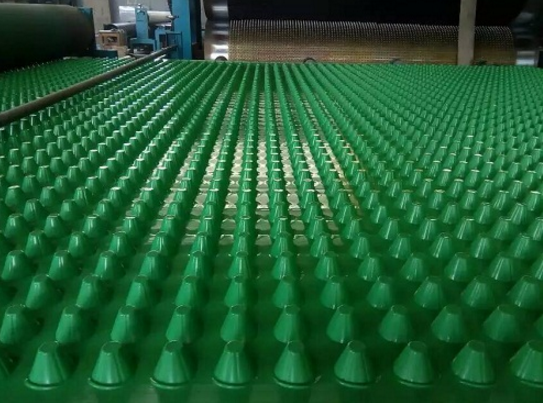 云南排水板_新型防水、防潮材料-山东领翔新材料公司