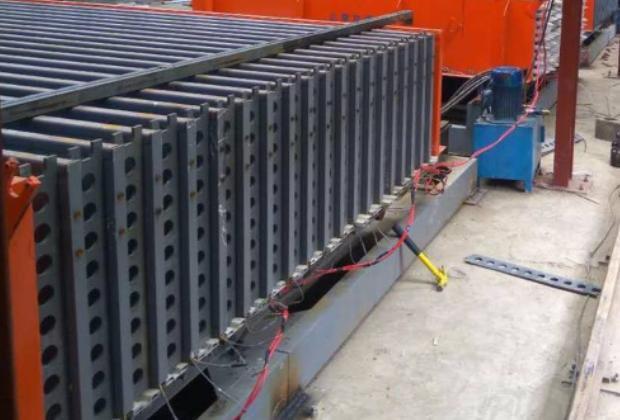 北京小型复合墙板设备推荐_卧式多少钱-济南立博精工机械设备有限公司