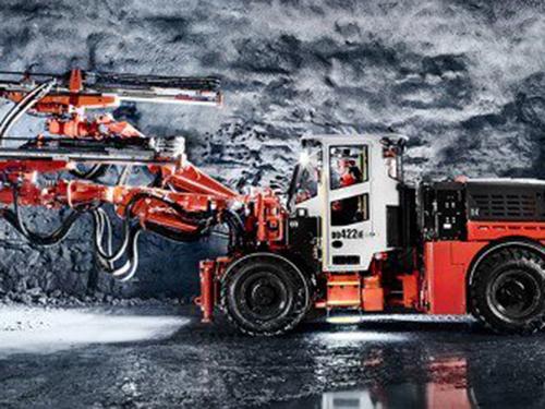 河北山特维克价格_柴油中深孔台车-山东垒石机械设备有限公司
