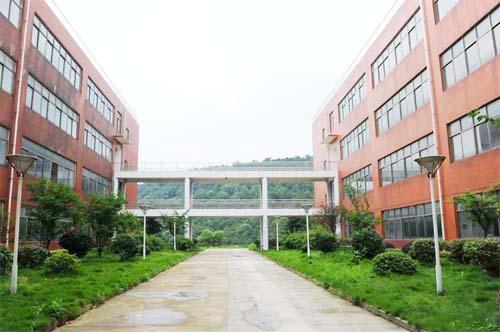 知名大专院校哪些好_教育相关-湖南电子科技职业学院