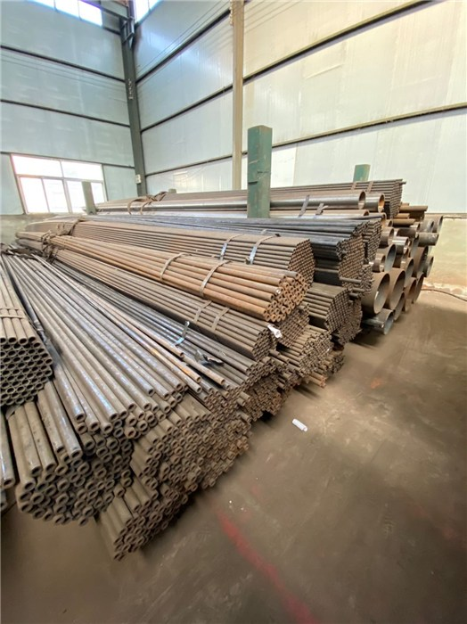 上海12Cr1MoVG合金无缝钢管多少钱_高压锅炉用无缝钢管厂家-沧州龙浩管道装备有限公司