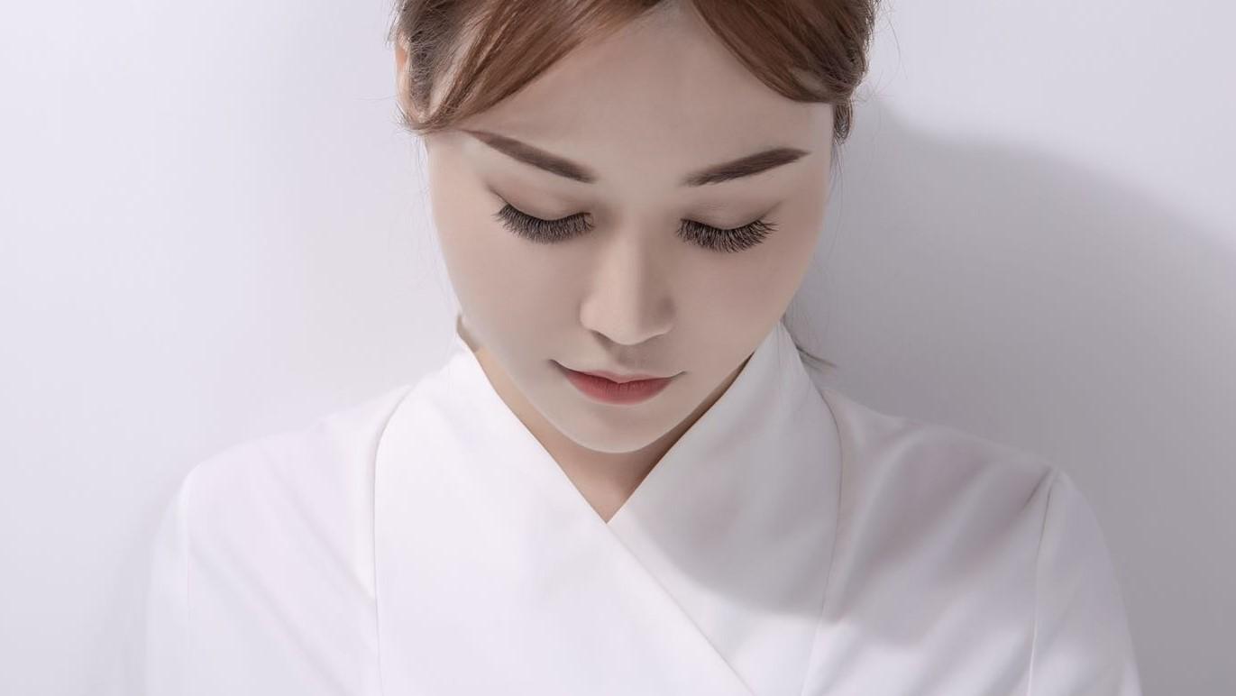 专业睫毛胶水供应商_睫毛膏、增长液相关-深圳易生娇肤毛发技术