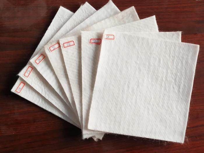 银川提供hdpe防渗膜多少钱_养殖防渗膜相关-德州宇润土工材料有限公司