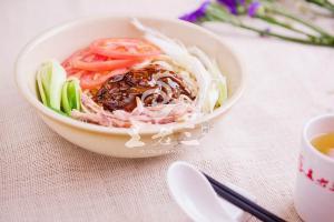 洛阳特产美食_本地人推荐的-洛阳王老三食品有限公司