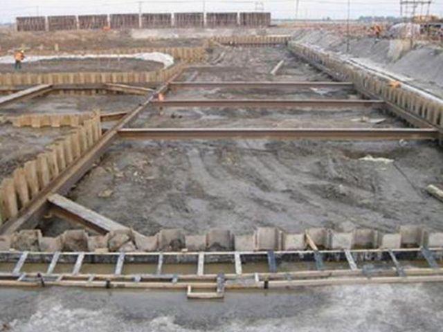 娄底钢板桩_钢板桩规格型号相关-湖南福焱机械设备有限公司