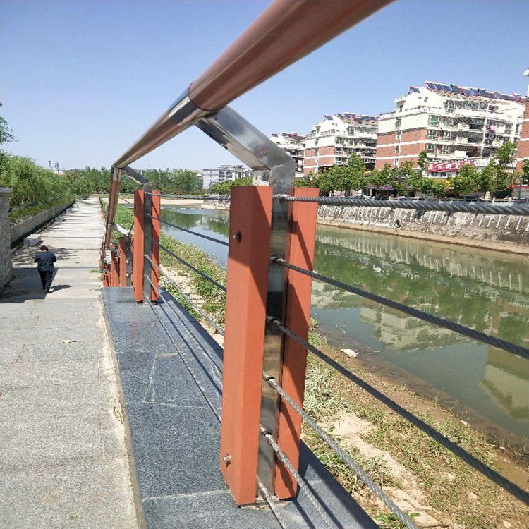 江西提供桥梁防撞护栏_专业防撞设施价格-山东远征金属材料有限公司