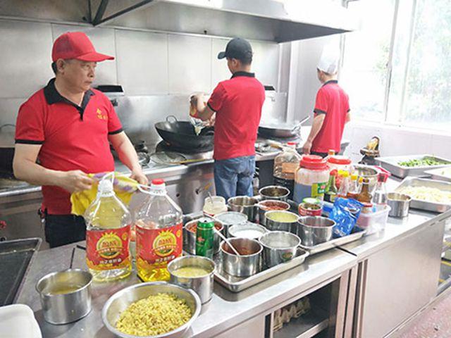 长沙工人食堂承包价格_企业餐饮服务-湖南合红餐饮管理有限公司