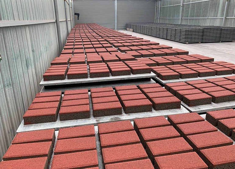 灰色透水砖_透水砖批发价格相关-安阳金牛水泥制品有限责任公司