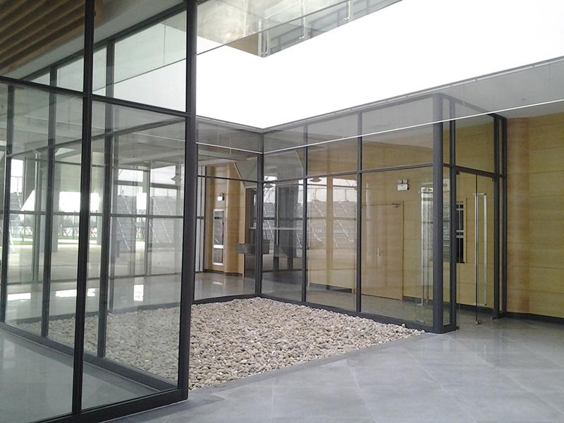 济南展览厅活动隔断设计_隔断门相关-千喜丰尔系统门窗