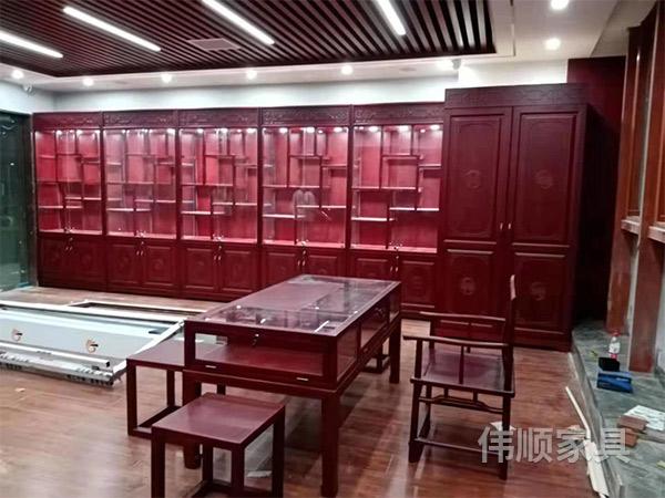长沙专业珠宝展柜哪家好_实木珠宝展柜相关-长沙县伟顺家具有限公司