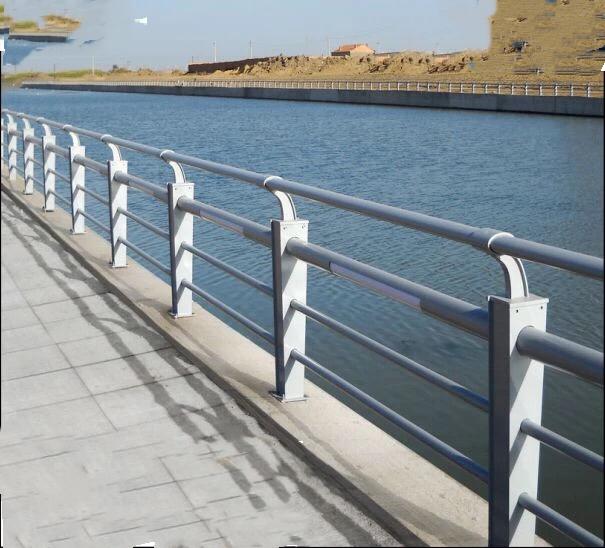 上海质量好桥梁护栏厂家_质量好防撞设施加工-山东博鸣金属制造有限公司