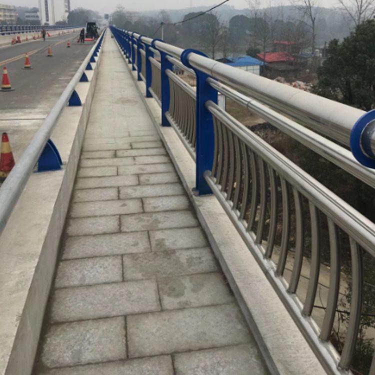 重庆不锈钢复合管桥梁护栏哪家好_不锈钢复合管桥梁护栏相关-山东远征金属材料有限公司