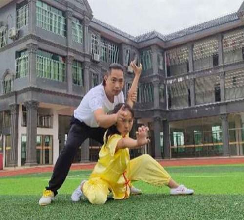 全托武术学院一年学费多少_正宗的学费-衡南县彭飞文化武术学校