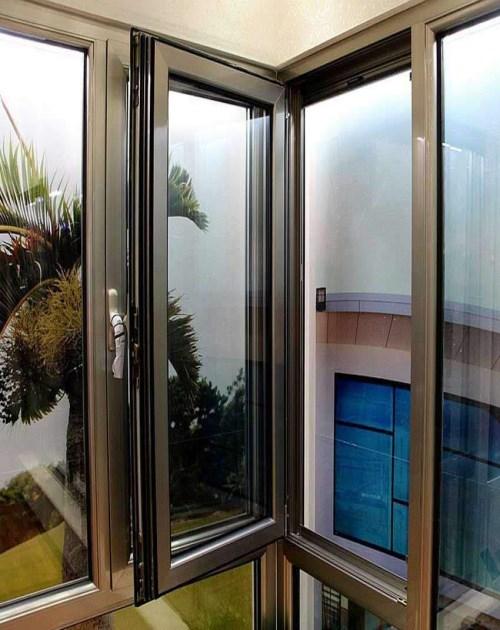 成都断桥铝厂家_非金属建材合金-成都铝之家装饰工程有限公司