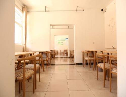 半自理养老院有几个_护理养老院相关-安阳市怡康老年人养护服务有限公司