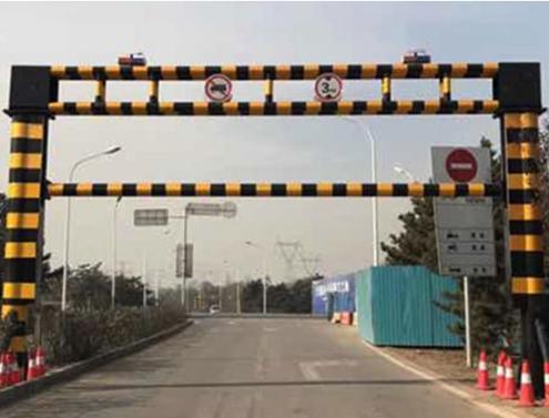 山东双面防撞路障生产厂家_交通路障灯相关-济南尚和龙升降机械有限公司