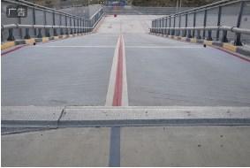 陕西混凝土防滑路面 彩色防滑路面胶粘剂相关