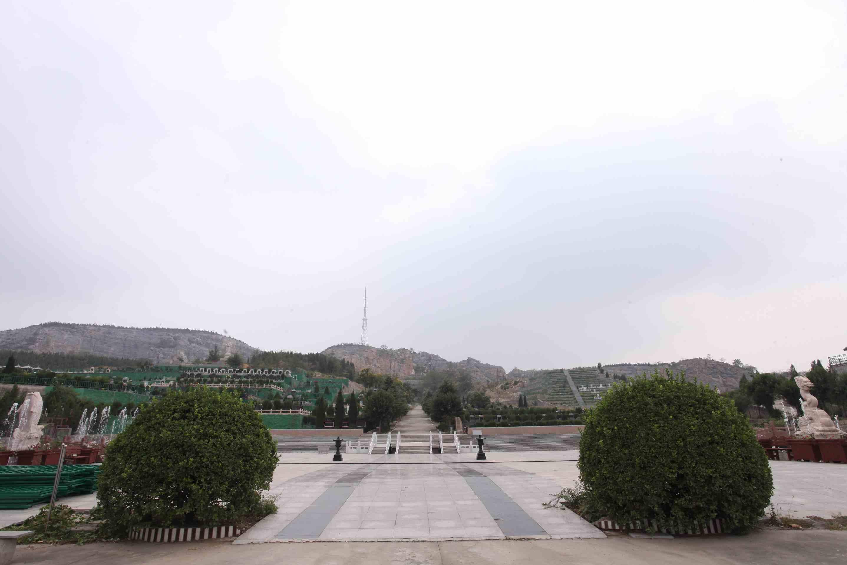 鹤壁墓地哪里好_墓地  相关-卫辉西山生态园林陵园龙居山陵园有限公司