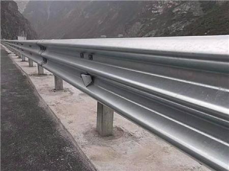 公路废旧交通安全标志价格 福建废旧护栏立柱回收多少钱